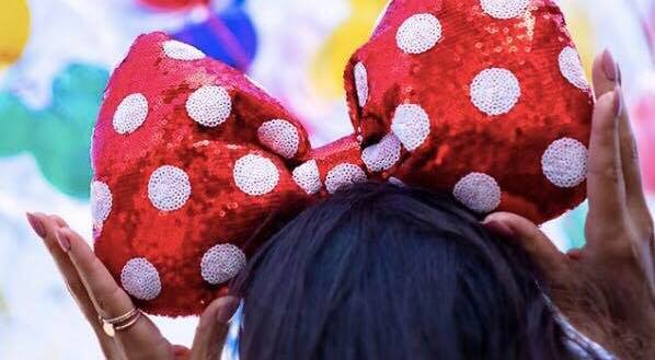 Oversized Minnie Bow Headband Coming to Disney Parks